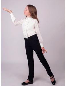 Блузка для девочек молочного цвета с элегантной брошью